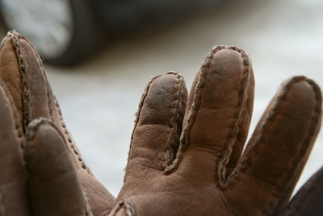 20110306 glove before
