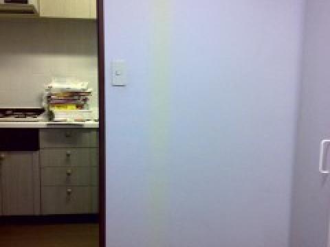 変色した壁紙