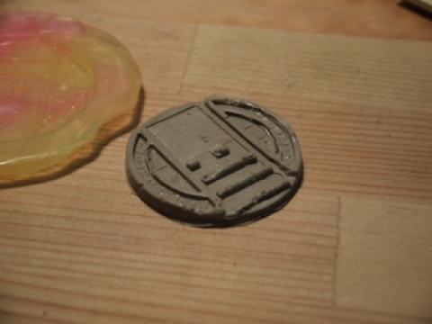 3Dプリンタ不要 [100均の材料で妖怪メダルをハックする]